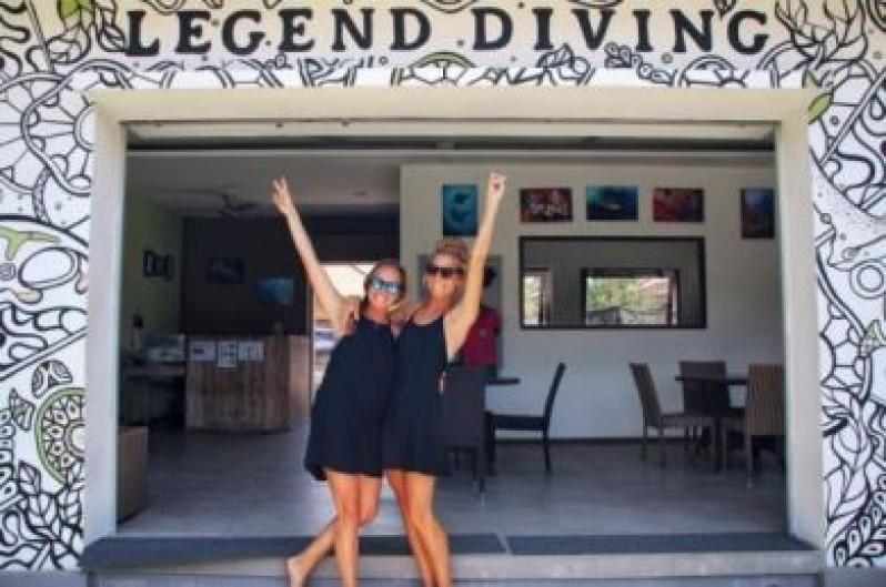 Catherine & Caroline Divemaster trainees at Legend Diving Lembongan