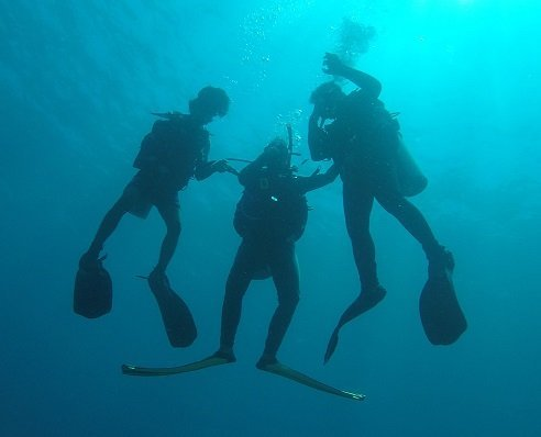 Yan and Ketut´s first dive ever!